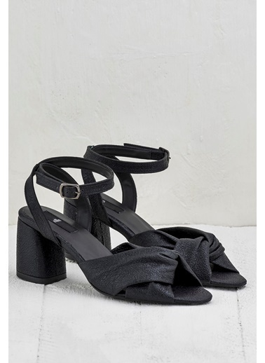 Elle Kalın Topuklu Sandalet Siyah